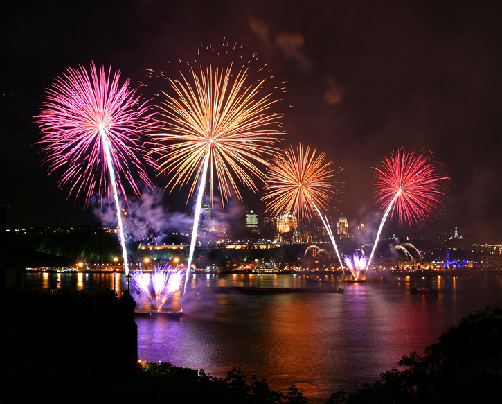 Quebec City celebrates is 400th anniversary in grand style with glorious fireworks!